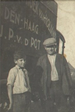 Vader met zoon in 1932